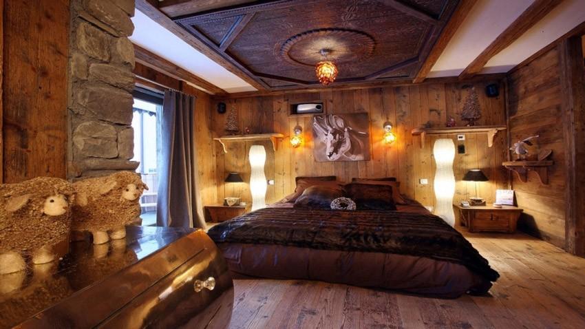 Стиль шале в интерьере спальни